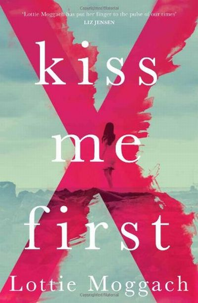 Cover Kiss Me First englisch