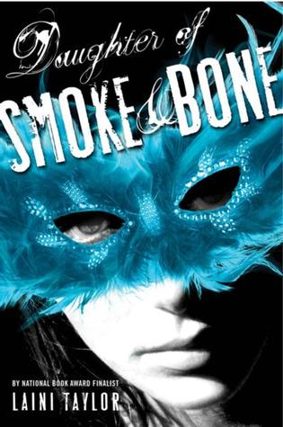 Cover Daughter of Smoke and Bone English